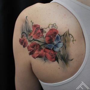 janisandersons-tattoo-tattoofrequency-ziedi-riga-flowers