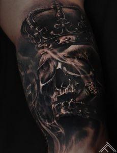 skull_crown_smoke-tattoo-tattoofrequency-art-marispavlo