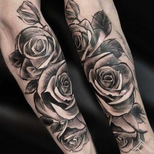 dmitryrazin-skecth-roses-tattoofrequency-riga