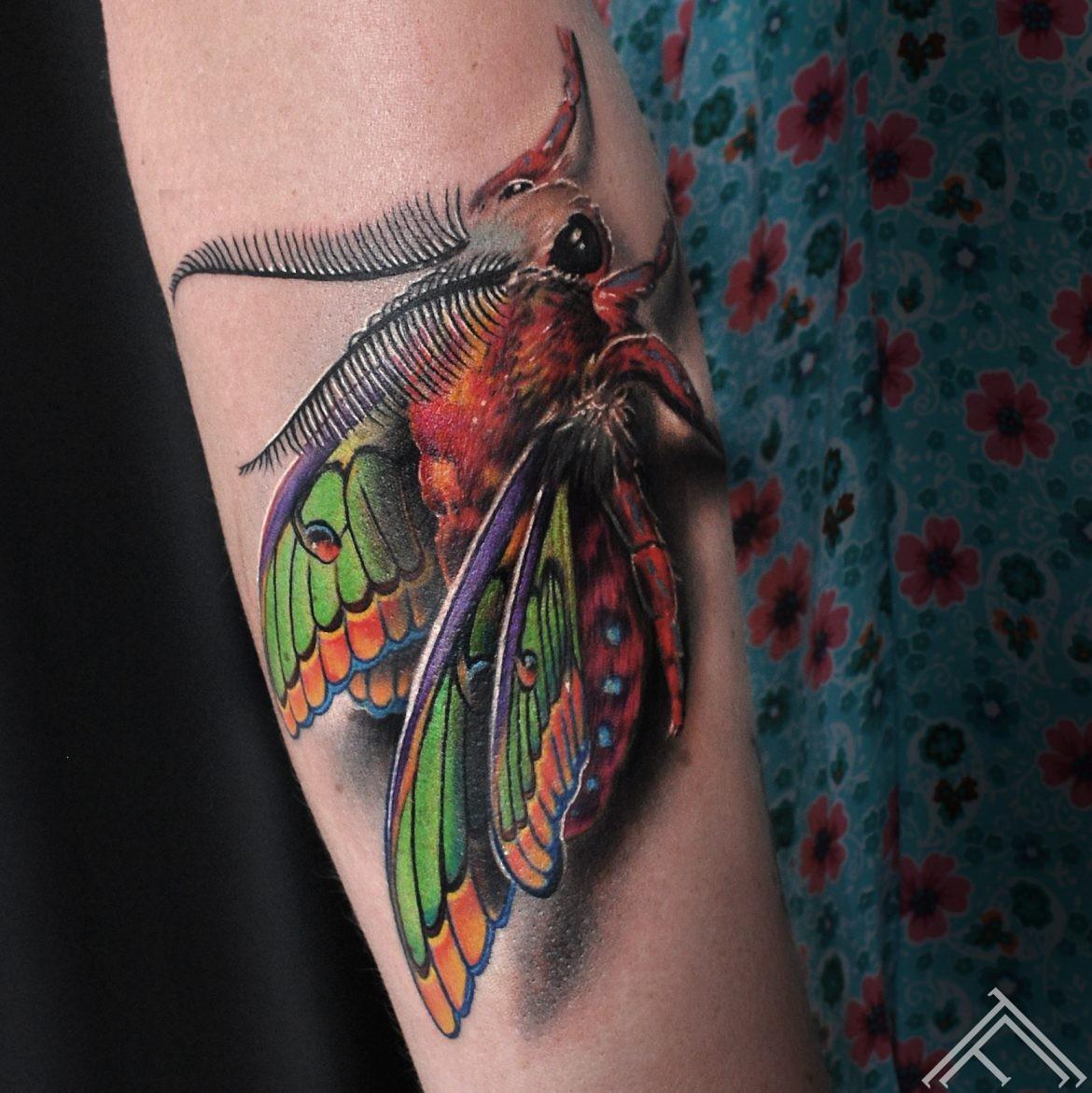 meadow-flowers-tattoo-tattoofrequency-marispavlo-riga-close up