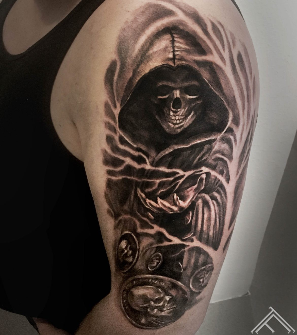 sasha-thunder-skull-tattoo