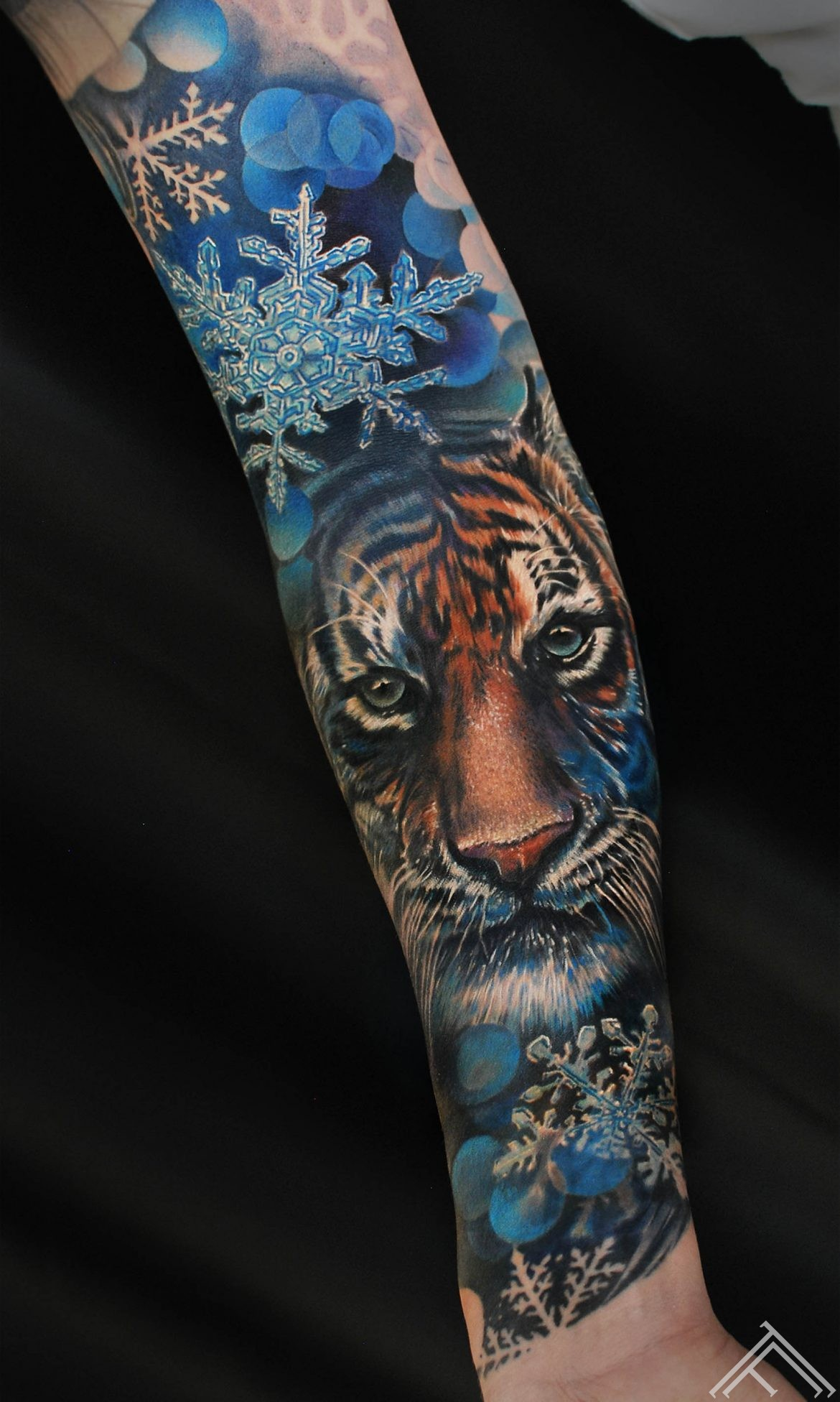 tiger-snowflake-snow-winter-cat-animal-tattoo-tattoofrequency-riga-marispavlo-tetovejums-tigeris-FB
