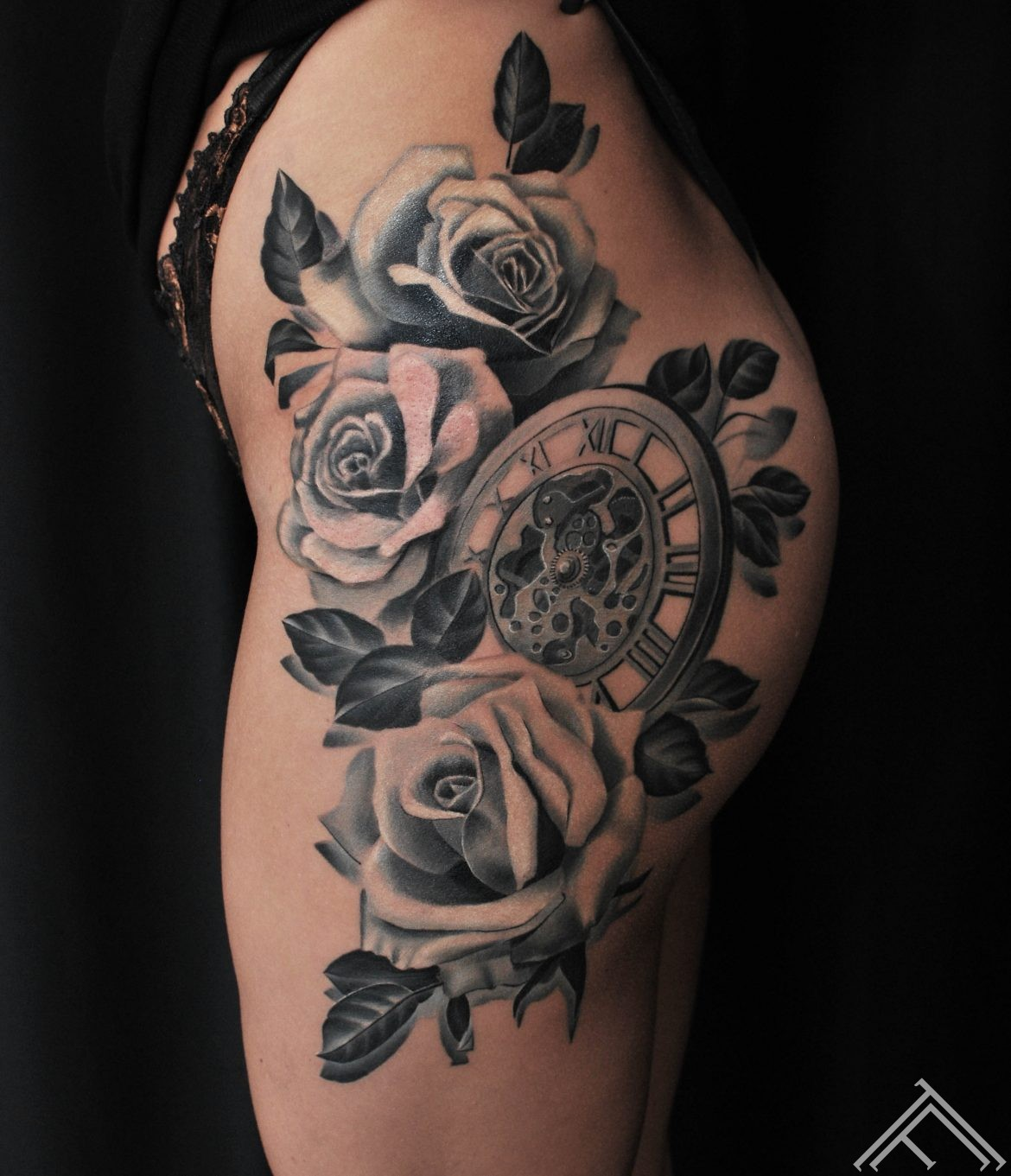 roses-clock-tattoo-tattoofrequency-janisanderson-riga
