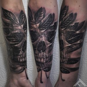 Hedvig Keller-tattoo-nature-leaf-skull-tattoofrequency-marispavlo-sweden