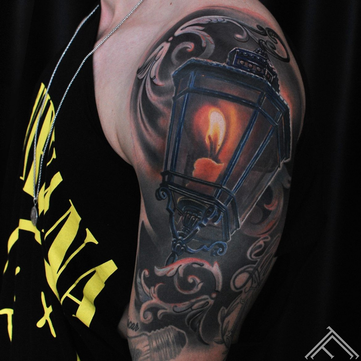 lamp-candle-tattoo-svece-liesma-fire-light-tattoo-marispavlo-tattoofrequency-riga-art -c