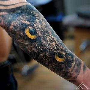 owl-eyes-tattoo-tattoofrequency-marispavlo-riga
