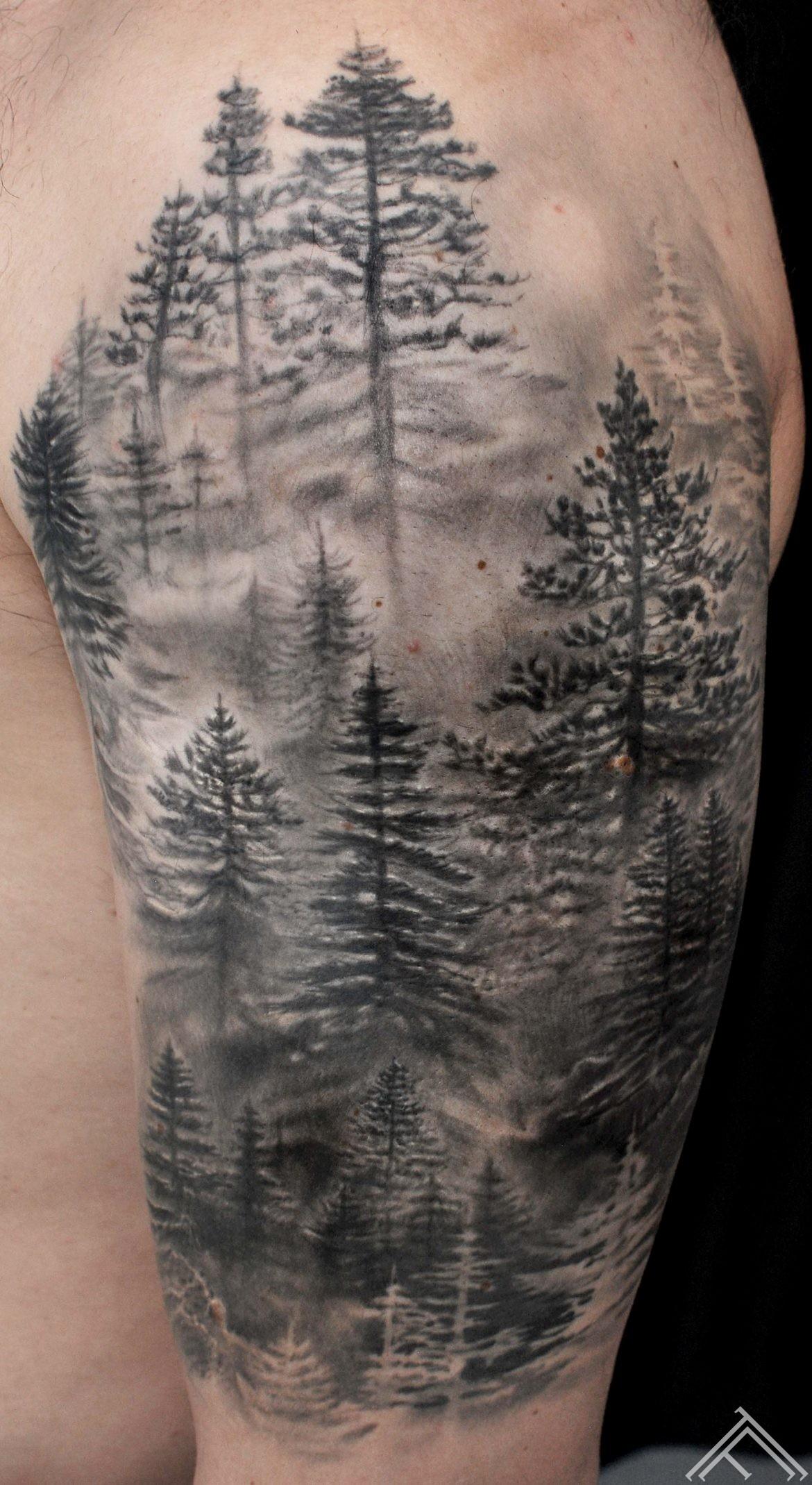 pine-forest-elge-priedes-mezs-tattoo-tattoofrequency-marispavlo-studija-tetovejums