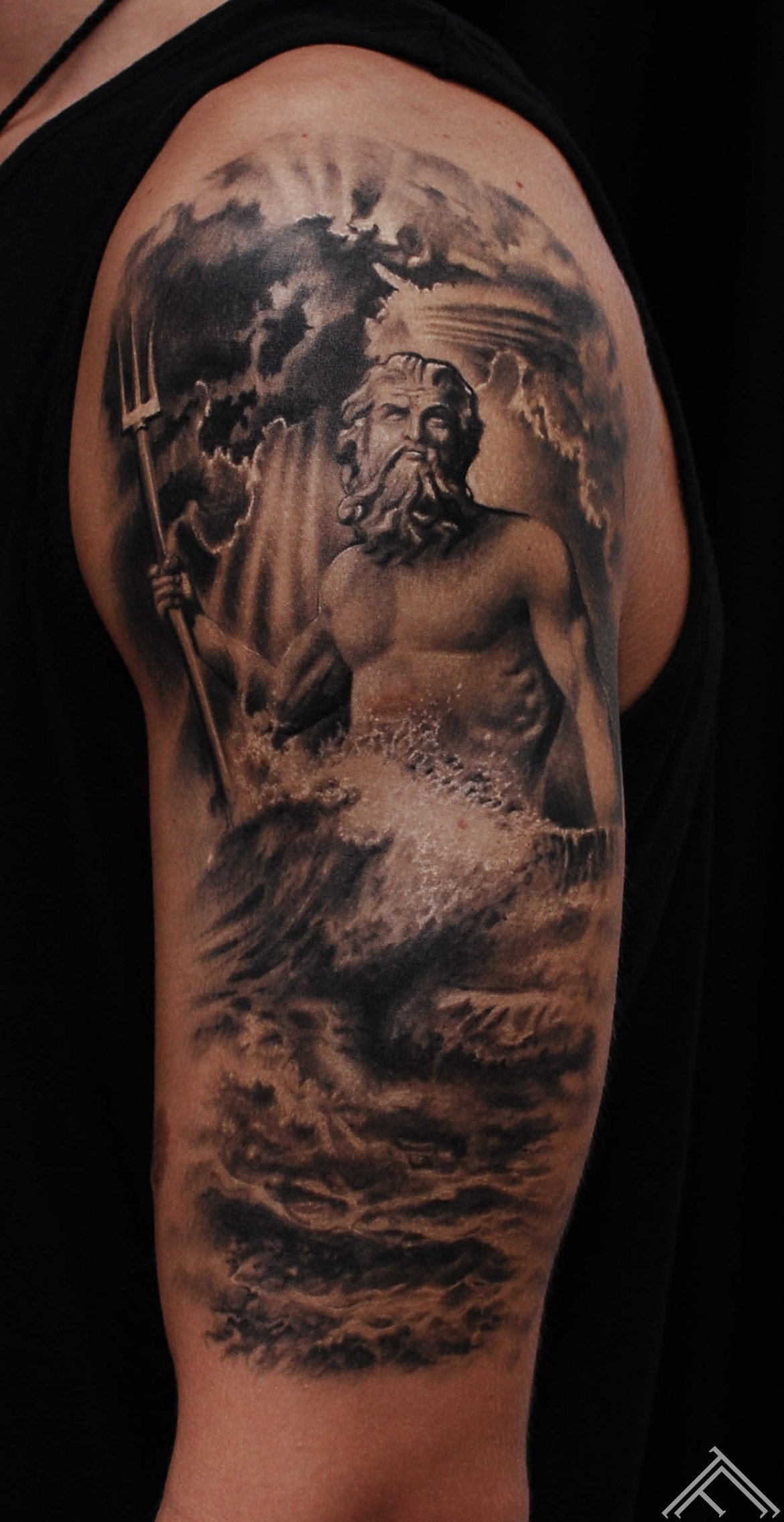 poseidon-mithology-God-of-the-Sea-tattoo-tattoofrequency-riga-marispavlo