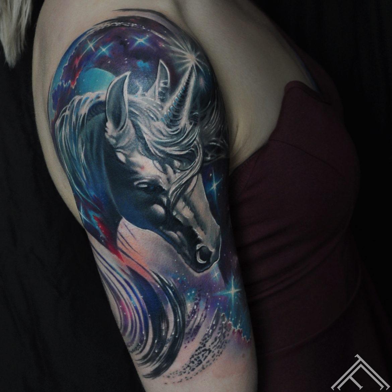 unicorn-horse-vienradzis-tetovejums-pegass-tattoo-tattoofrequency-riga-marispavlo