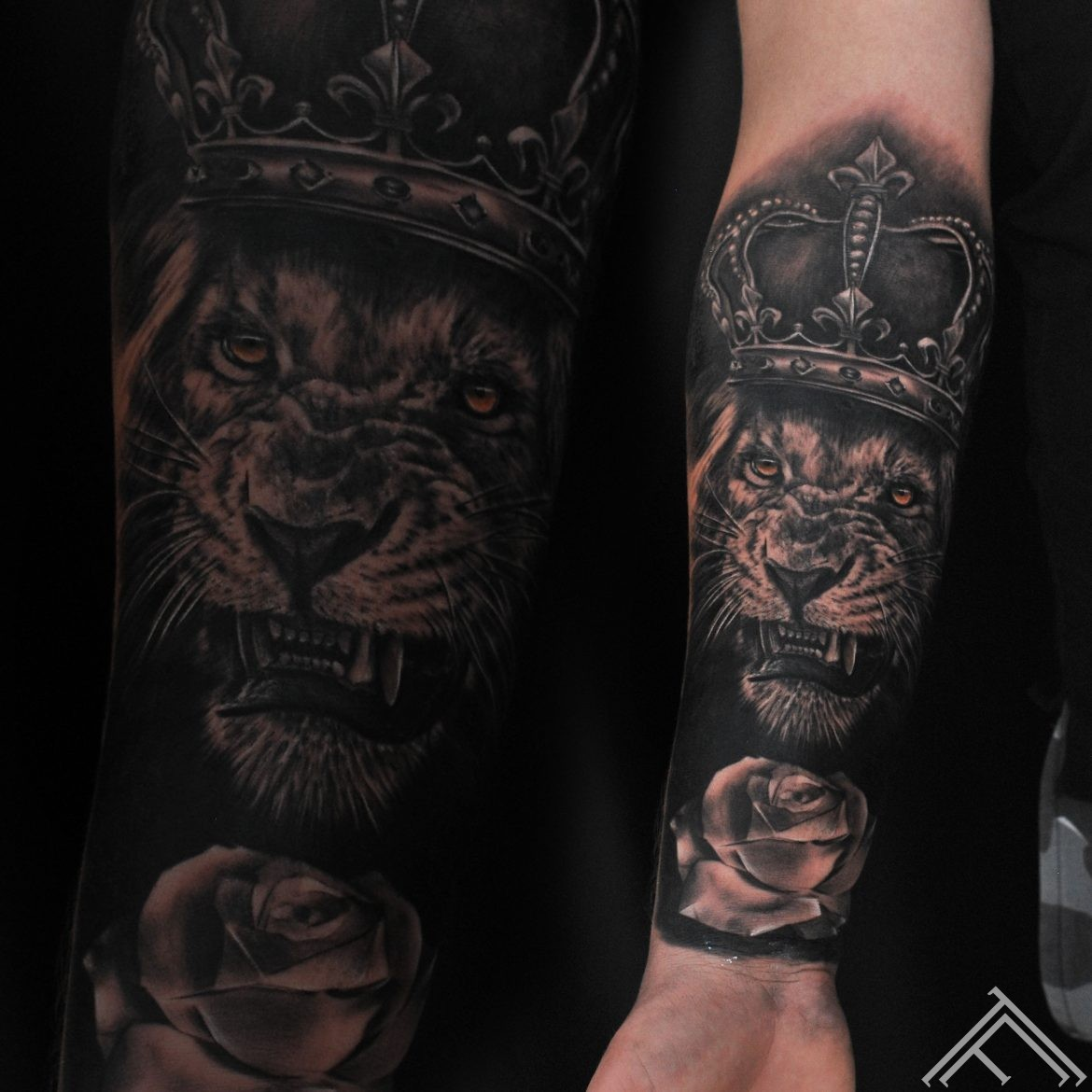 janisanderson-tattoo-lion-tattoofrequency-bezudz