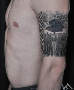 varpas-koks-tree-graas-plant-horizont-plava-landscape-makoni-clouds-art-tattoofrequency-martinssilinstattoo-m.lapa