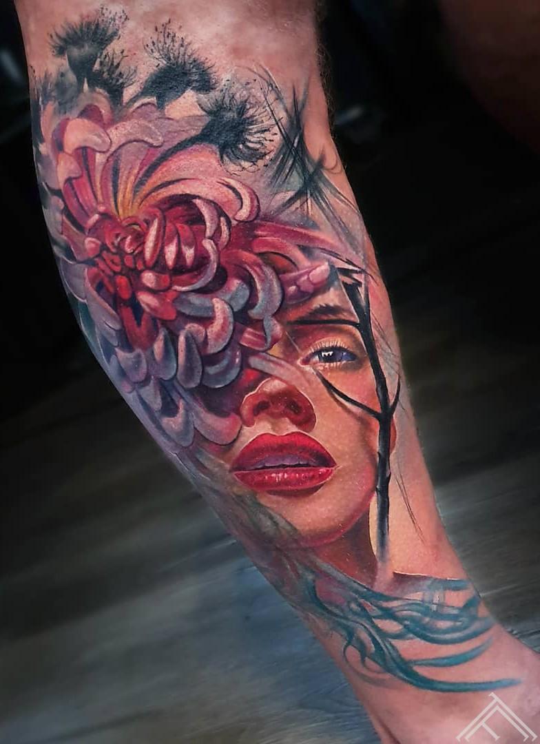 woman-flower-customtattoo-portrait-fantasy-marispavlo-tattoofequency-riga-udensz-m.lapa